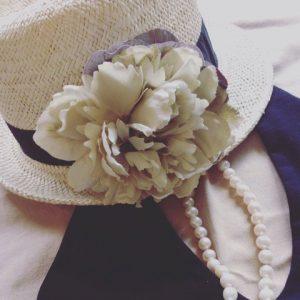 帽子のコサージュ_1