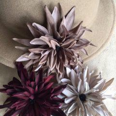 帽子のコサージュ_5